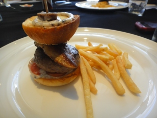 Waguy beef burger with balsamic onion balls, chips, truffle mayo + specially for us (Foie Gras)