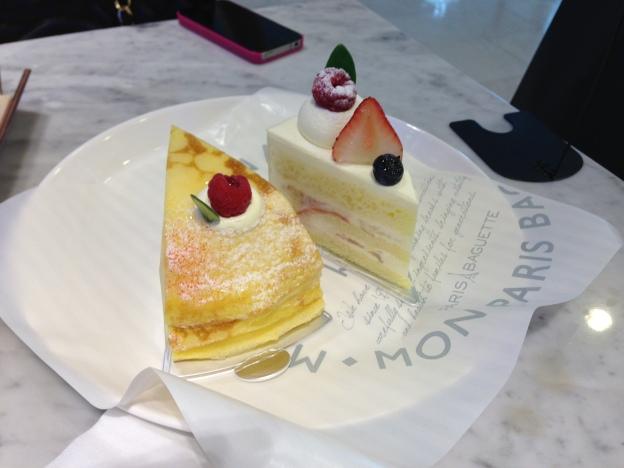2 cakess!!!